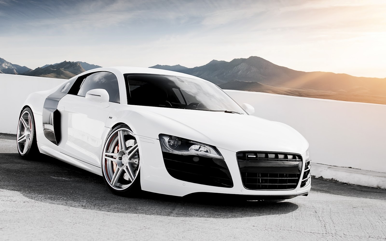 Audi R8 V10 White HD Wallpapers 1600x1000