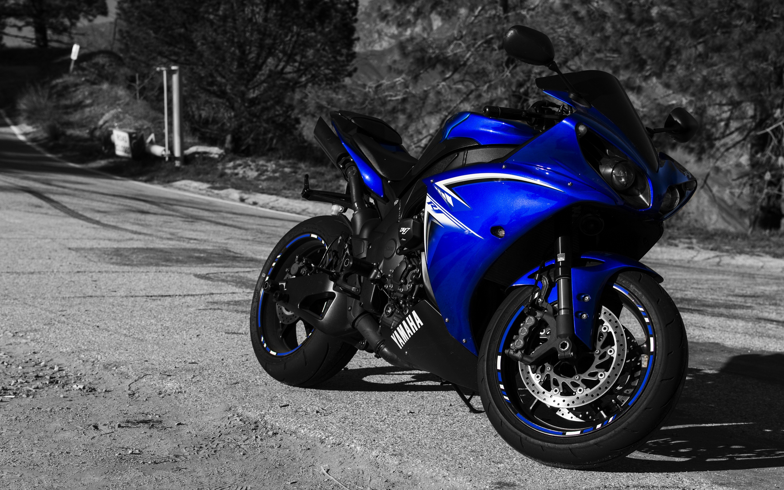 Wallpaper of YAMAHA YZF R1 Motorcycle Sportbike background HD 2560x1600