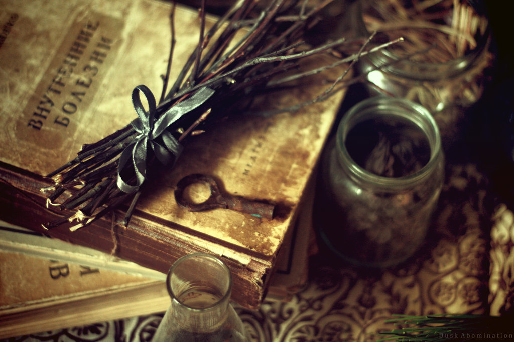 Ancient Spellbooks   witches foto 40476474   fanpop 1024x683