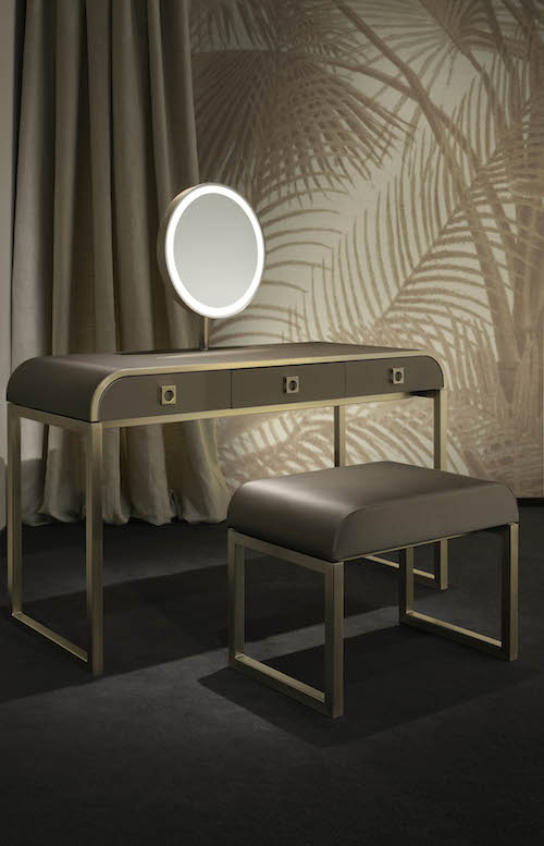 ArmaniCasa Creates Luxe Oriental Spaces with Its New Wallpaper 500x777
