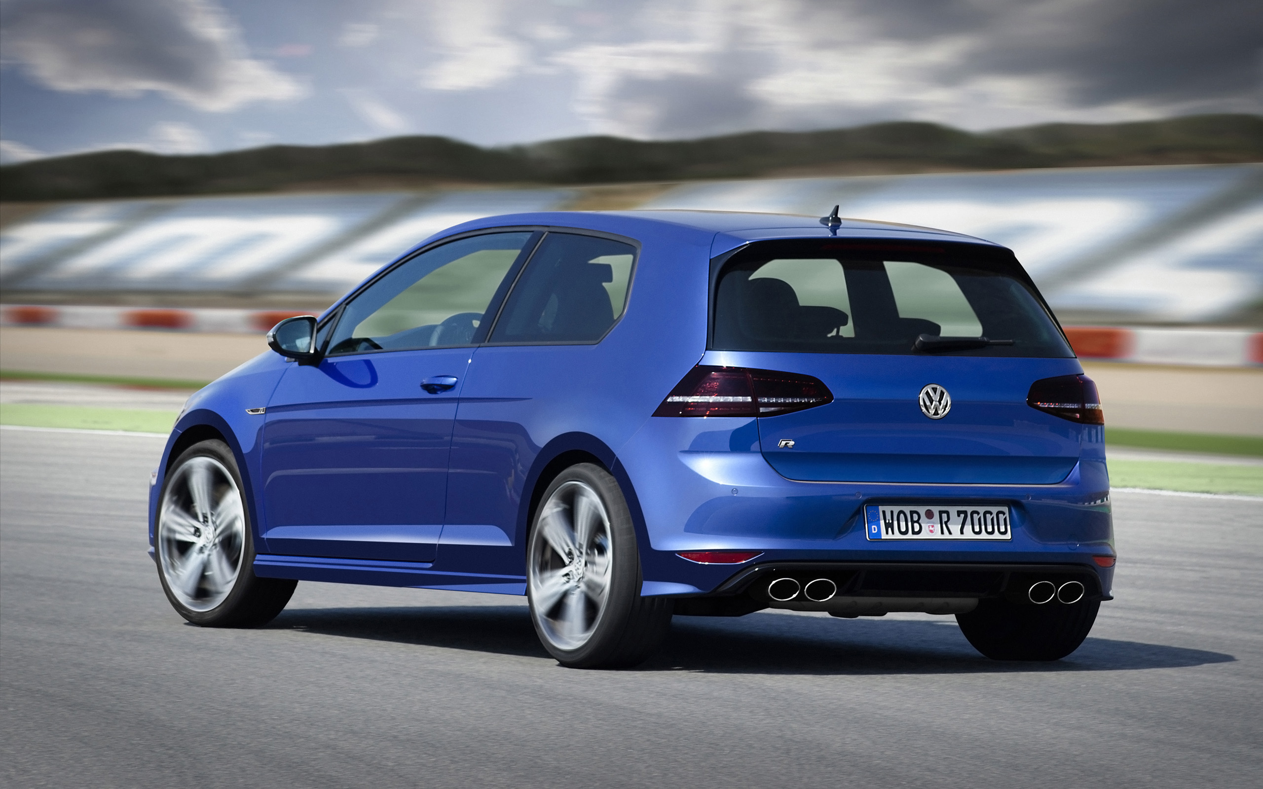 2014 Volkswagen Golf R   Motion   7   2560x1600   Wallpaper 2560x1600
