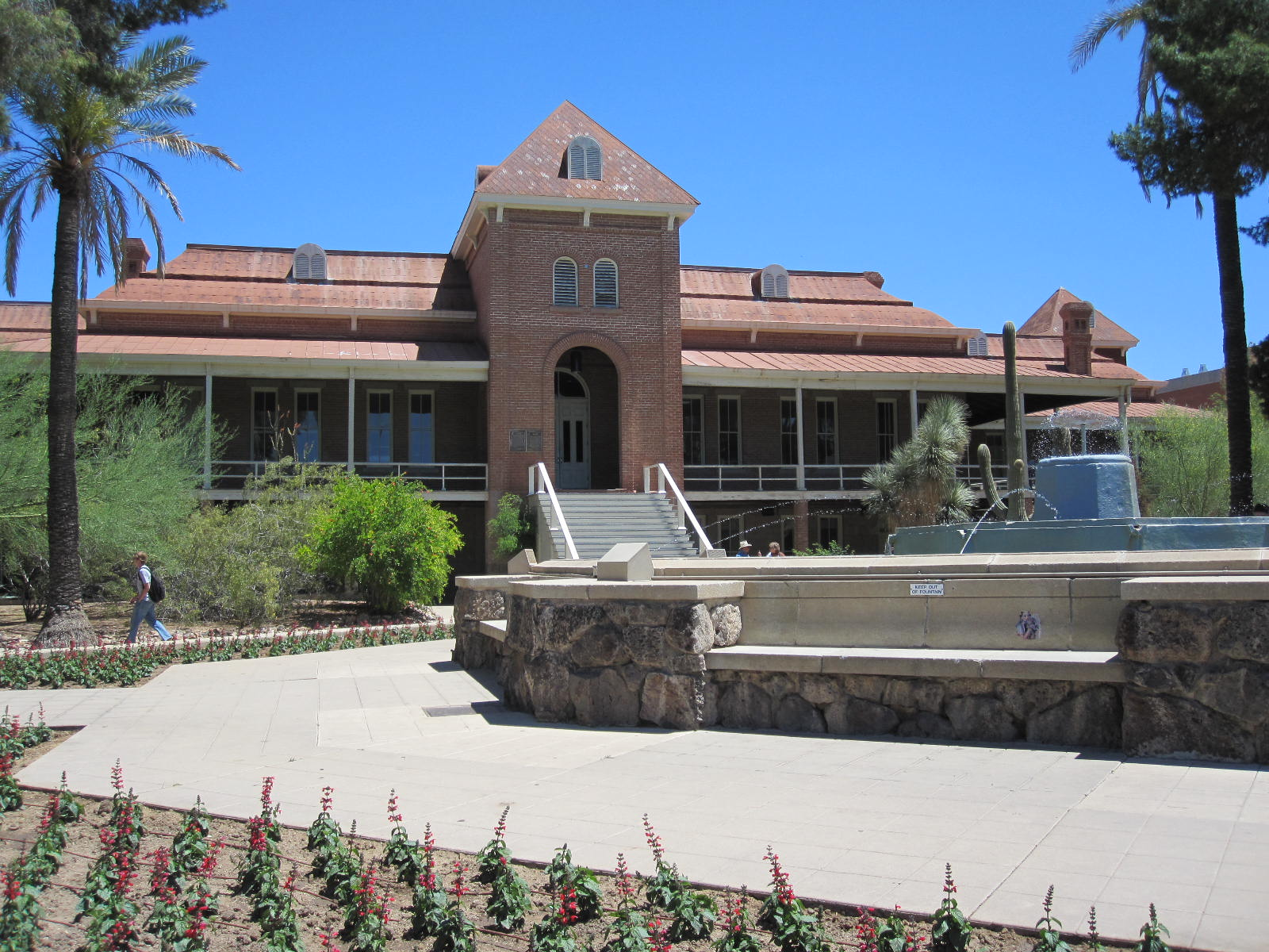 University Of Arizona Campus Wallpaper Old main university of 1600x1200