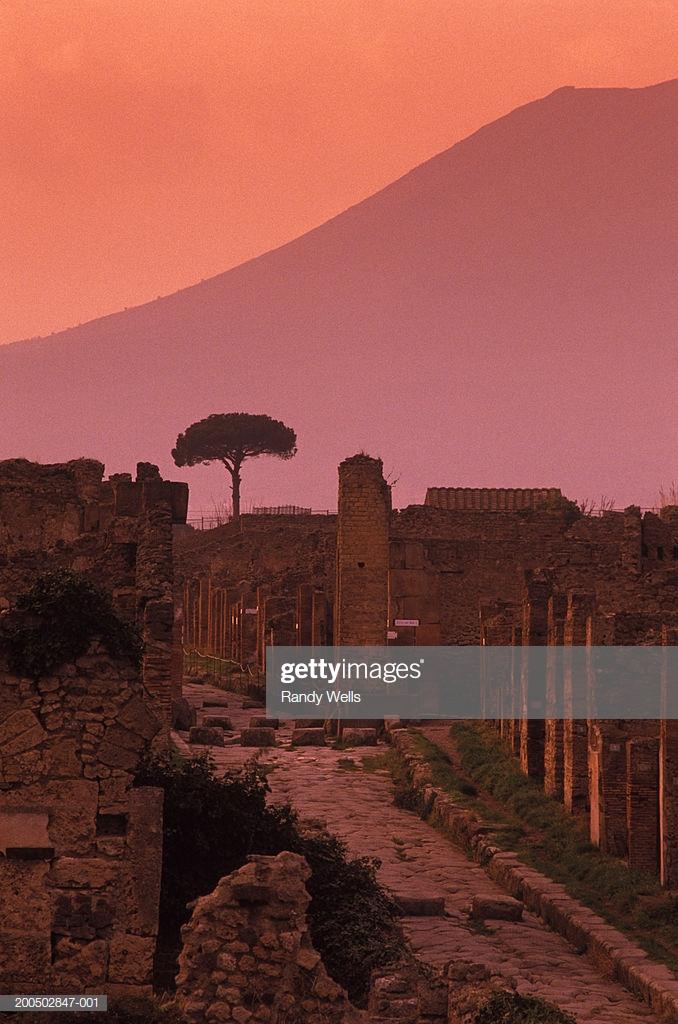 Italy Pompeii Mount Vesuvius In Background Dusk Stock Photo 678x1024