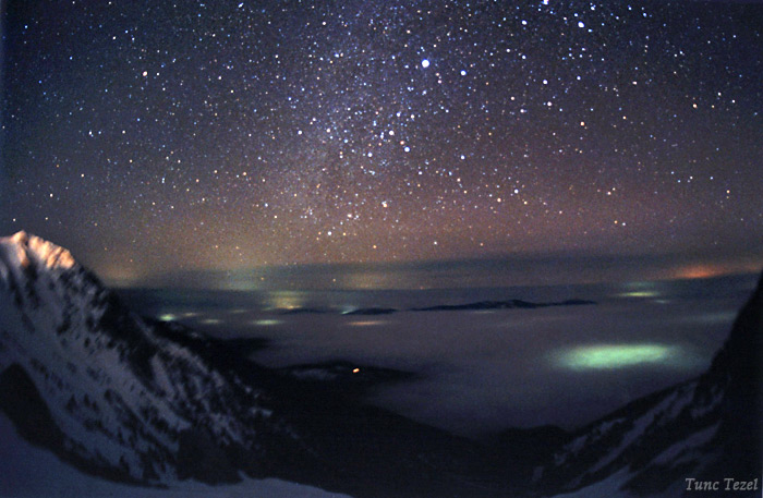 Winter Night Sky HD Wallpaper 700x457