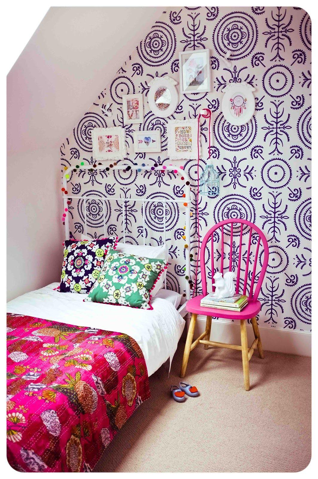 Anna Spiro Round And Round The Garden Wallpaper   Bedroom 1063x1600