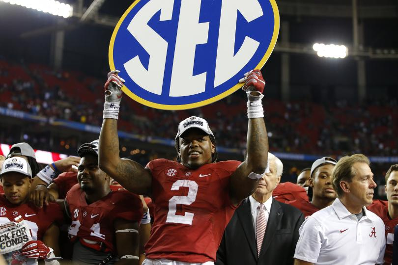 Derrick Henry celebrates after Alabama defeated Florida 29 15 in the 810x540