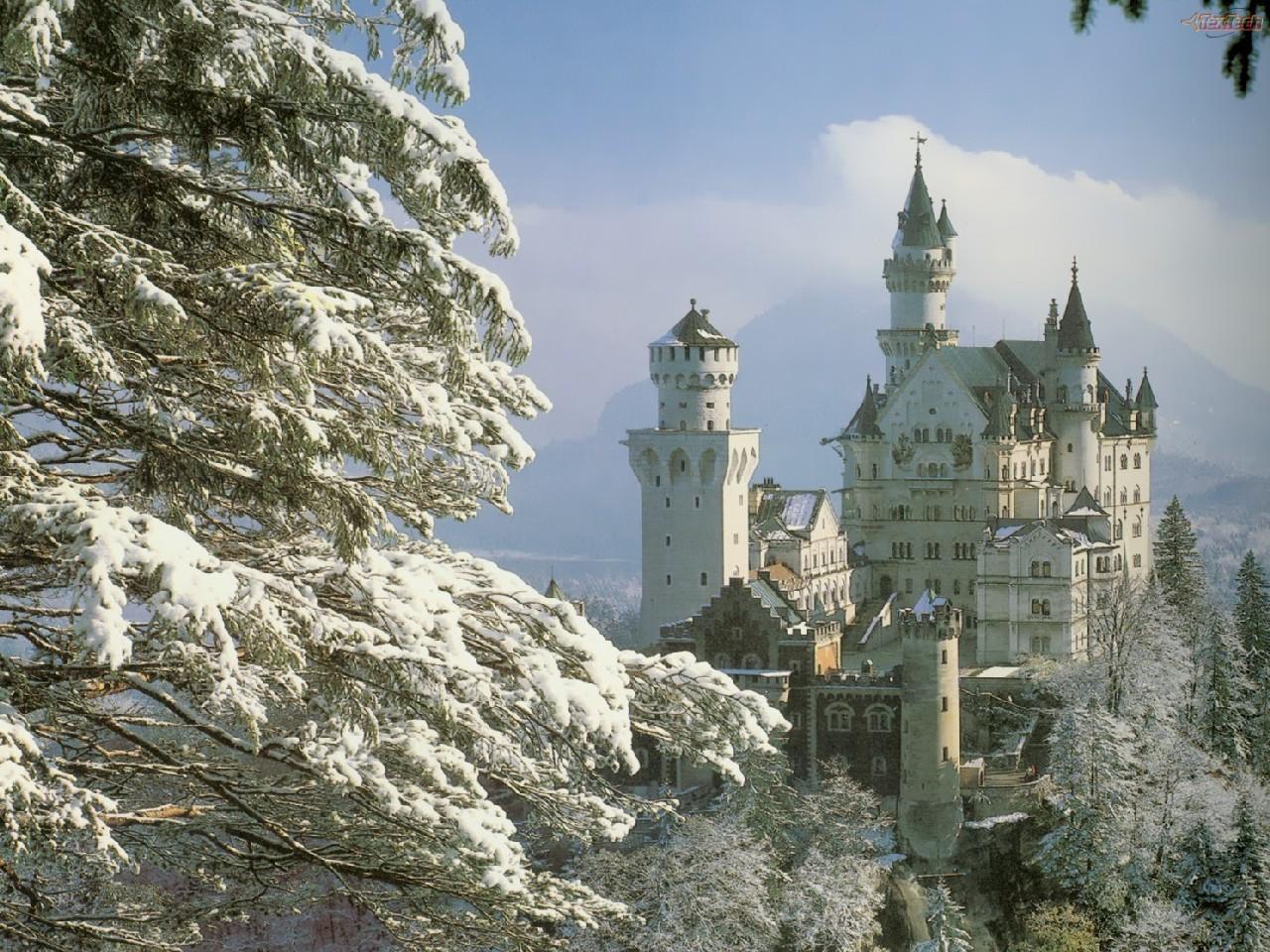 neuschwanstein castle germany in the snow 2 lancastria 1280x960