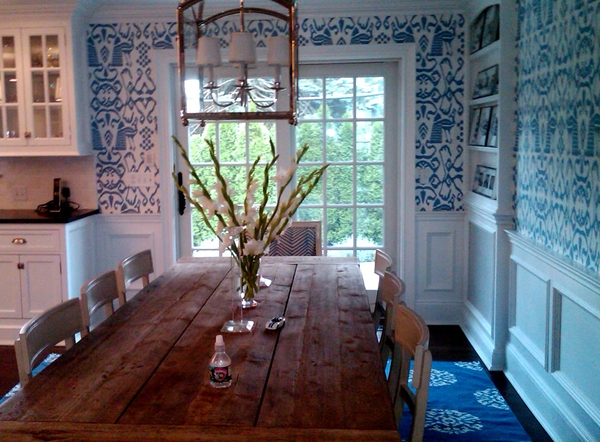 Aesthetic Oiseau Blue and White Wallpaper Kitchens 600x442