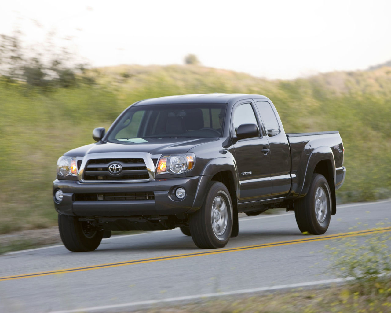 Please right click on the Toyota Tacoma wallpaper below and choose 1280x1024