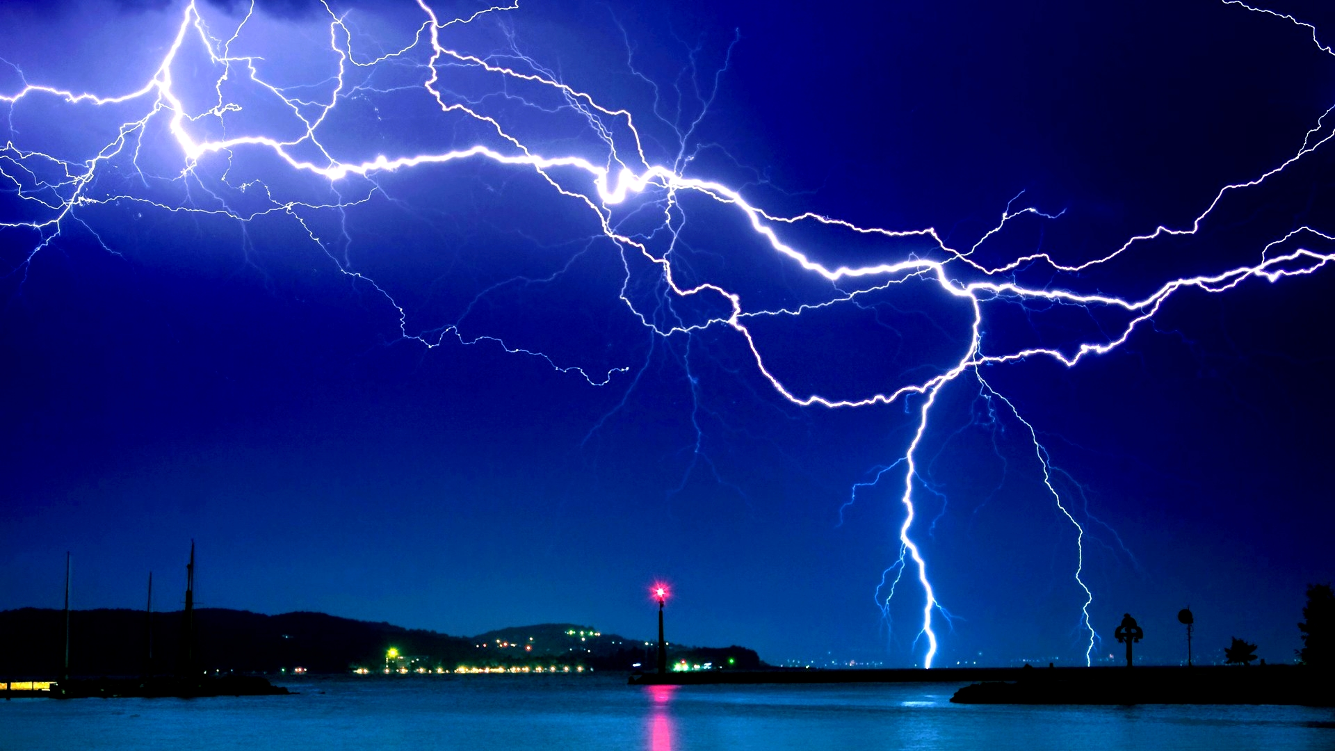 Lightning Background Wallpapers WIN10 THEMES 1920x1080