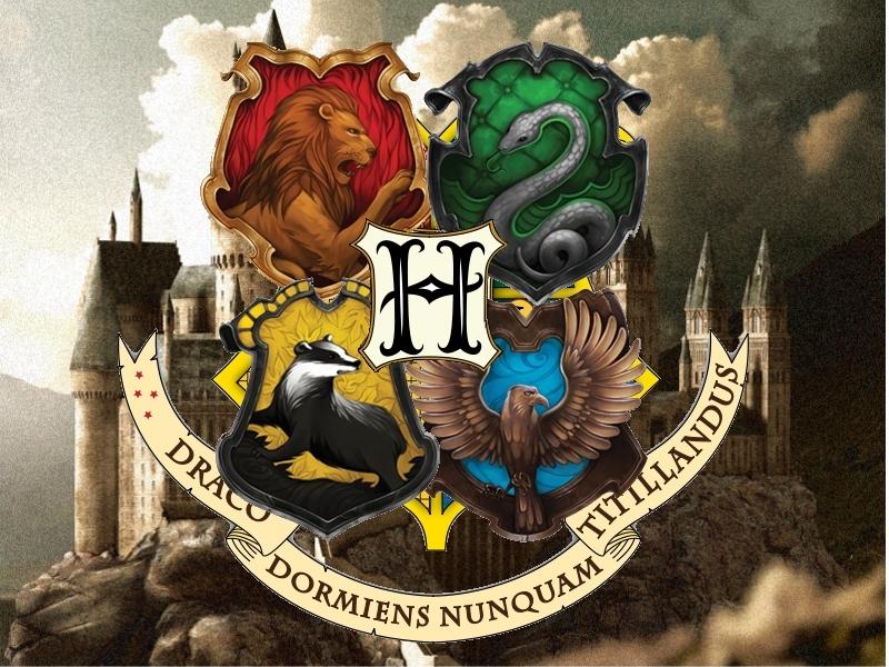 Hogwarts Crest Wallpaper Hogwarts crest 2 by 800x600