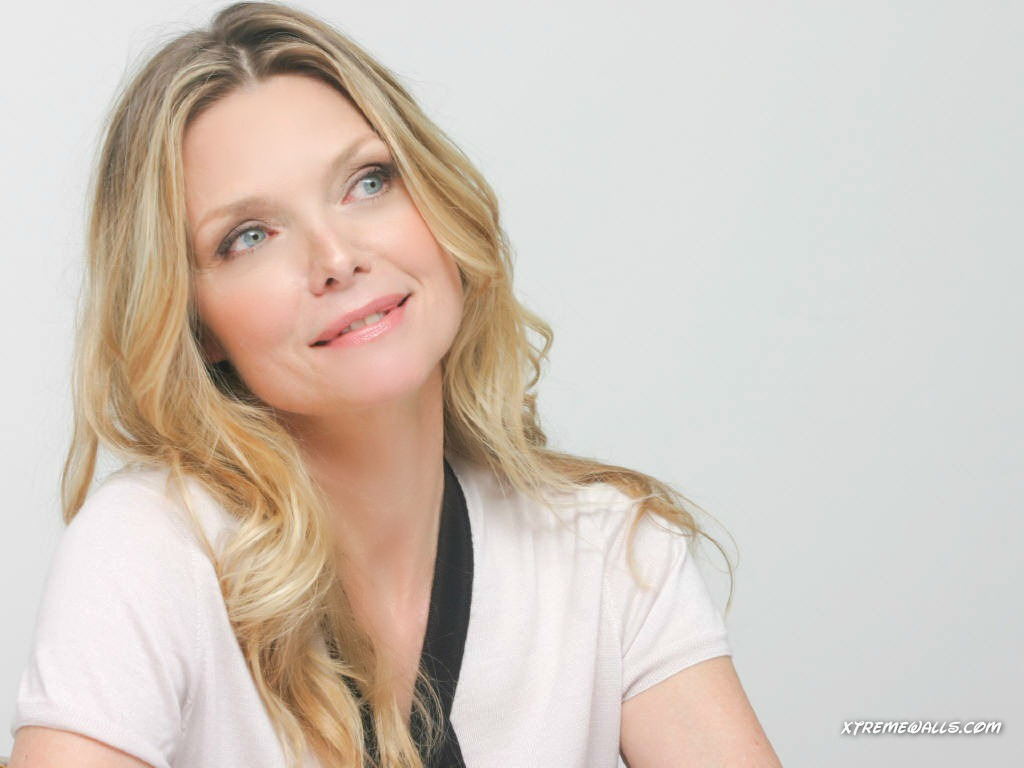 Michelle Pfeiffer   Michelle Pfeiffer Wallpaper 31140707 1024x768