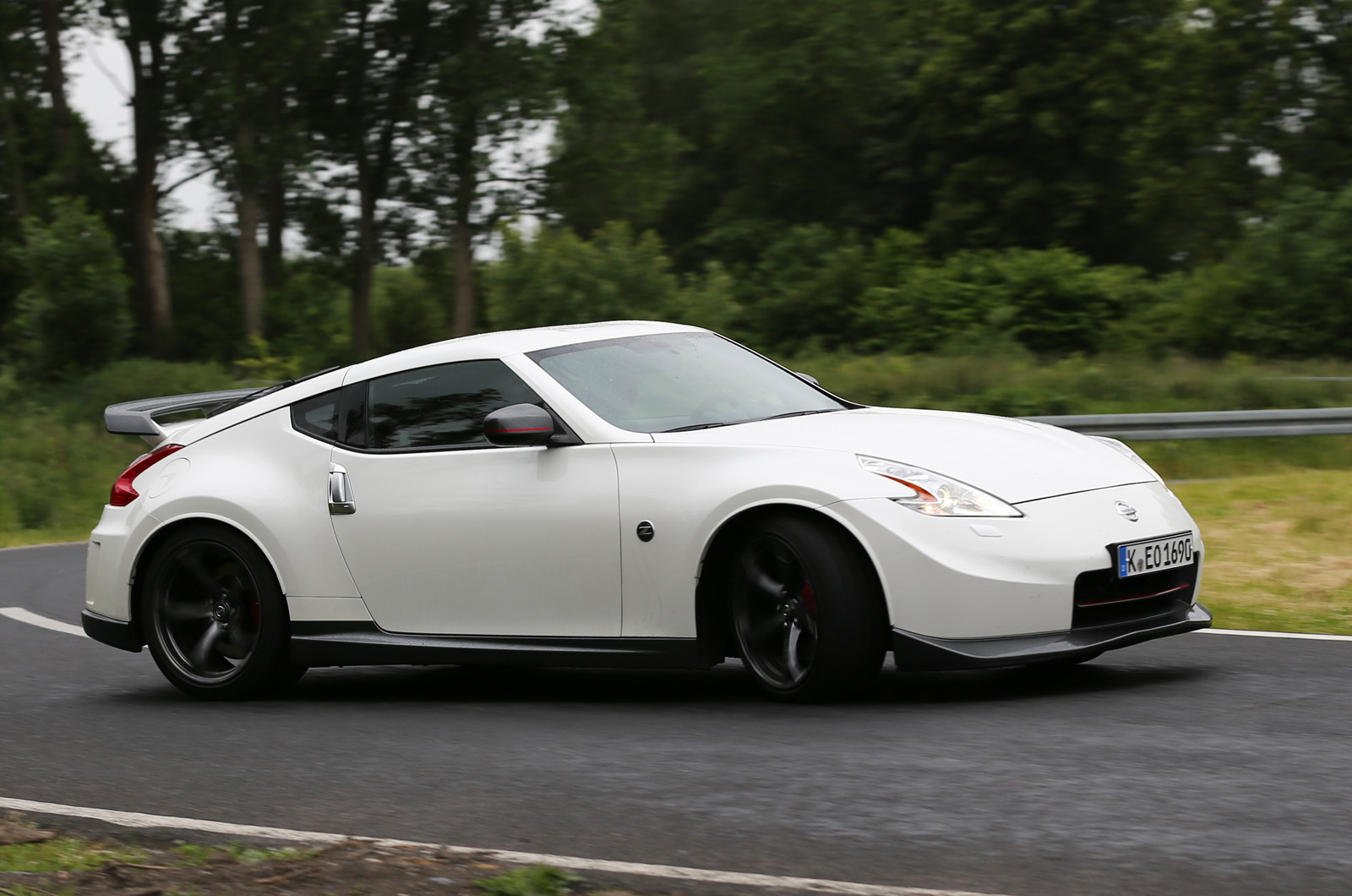 nissan 370z nismo 2015 wallpaper 2013 Nissan 370Z Nismo Wallpaper 1600x1060