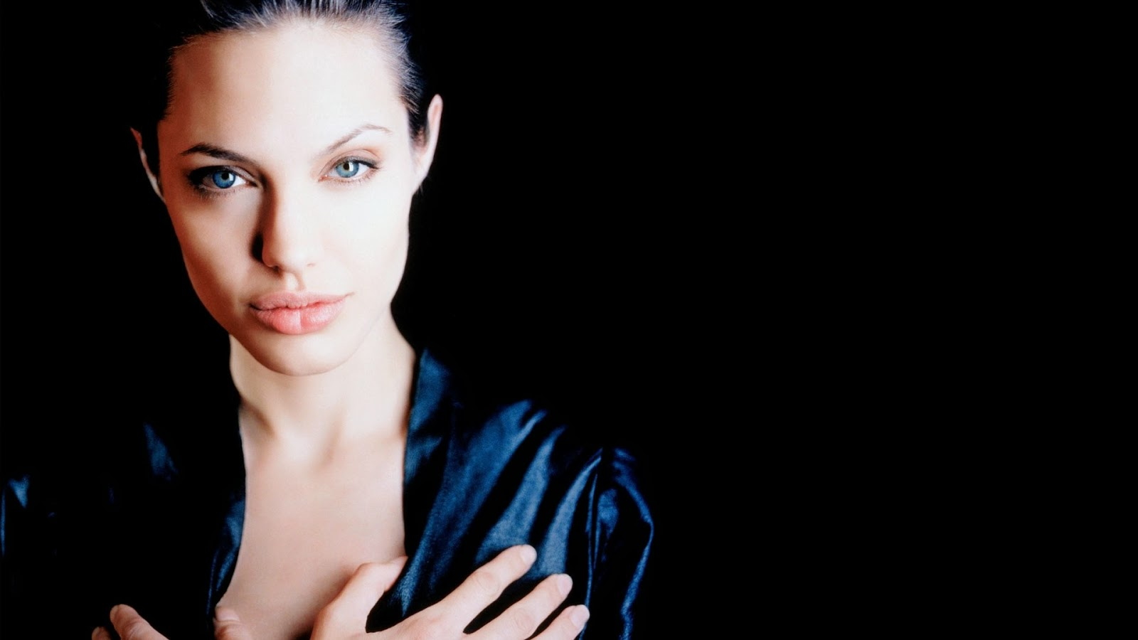 HD Wallpapers Angelina Jolie Sweet And Beautiful HD Wallpapers 1600x900