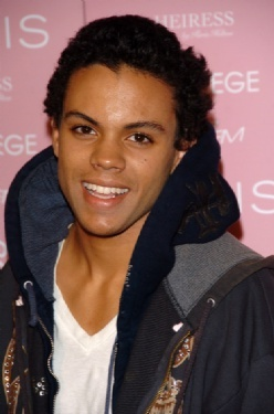 Evan Ross I   FONDOS WALL 248x375