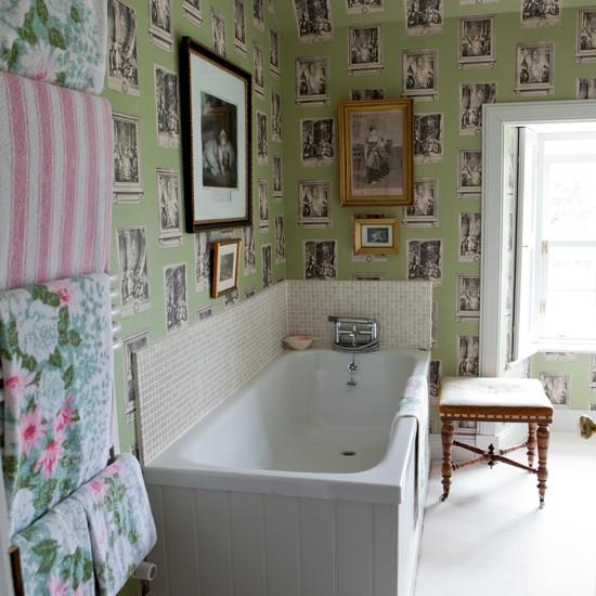 Bathroom Wallpaper Designs Uk   bathroom with quirky wallpaper 550x550
