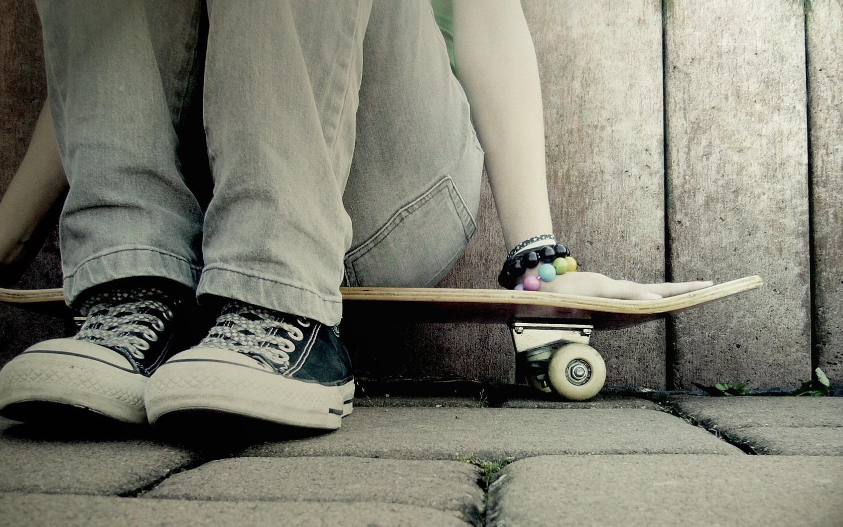 Wallpaper skate girl Sneakers bracelet desktop wallpaper Girls 1680x1050