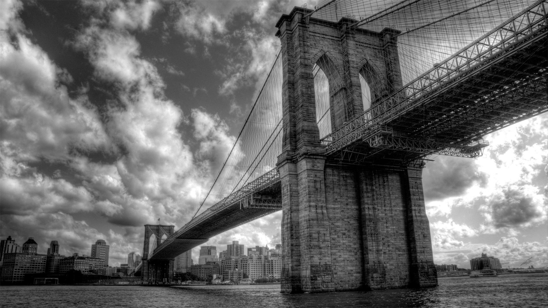 Brooklyn Bridge |
