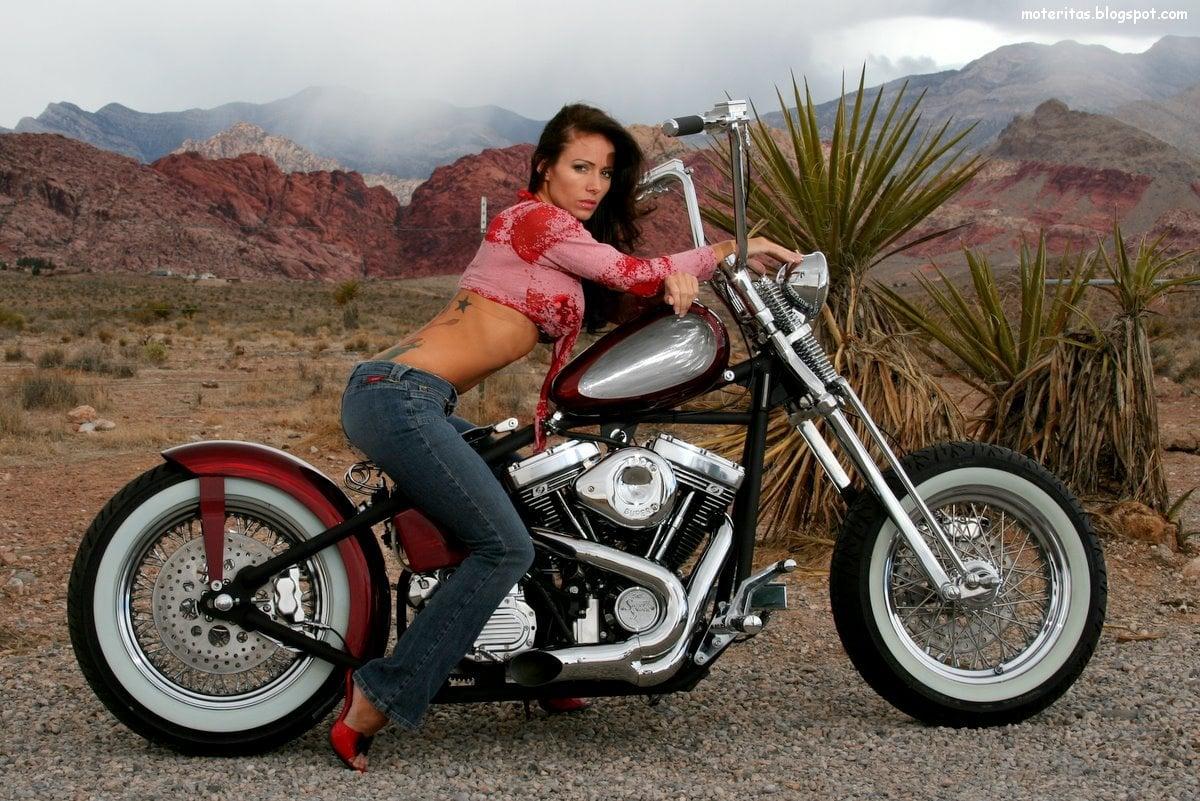 Motos y mujeres resolucin HD Chicas posando en motos bobbers 1200x801