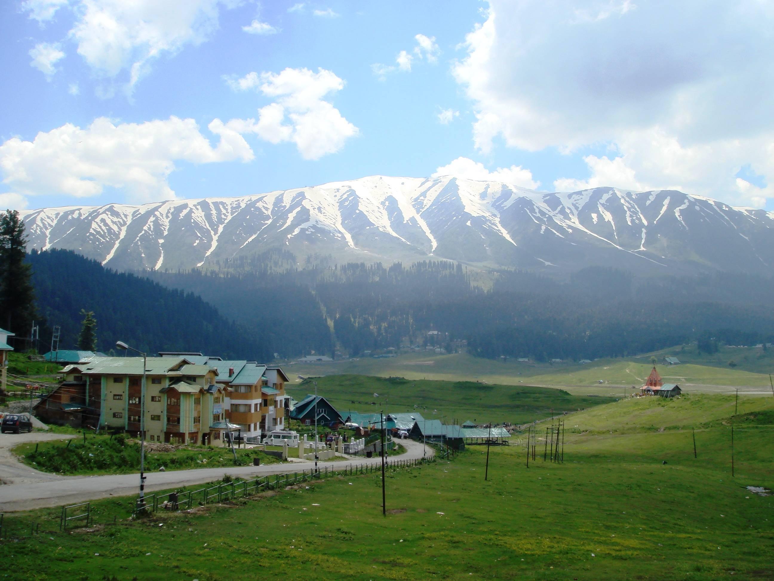 Beautiful Kashmir Photos-23 Pics - www. FunMag.org Gulmarg photos in september