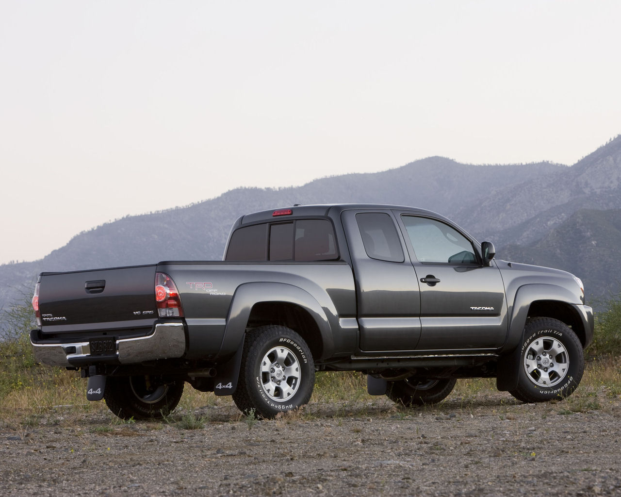 on the Toyota Tacoma wallpaper below and choose Set as Background 1280x1024