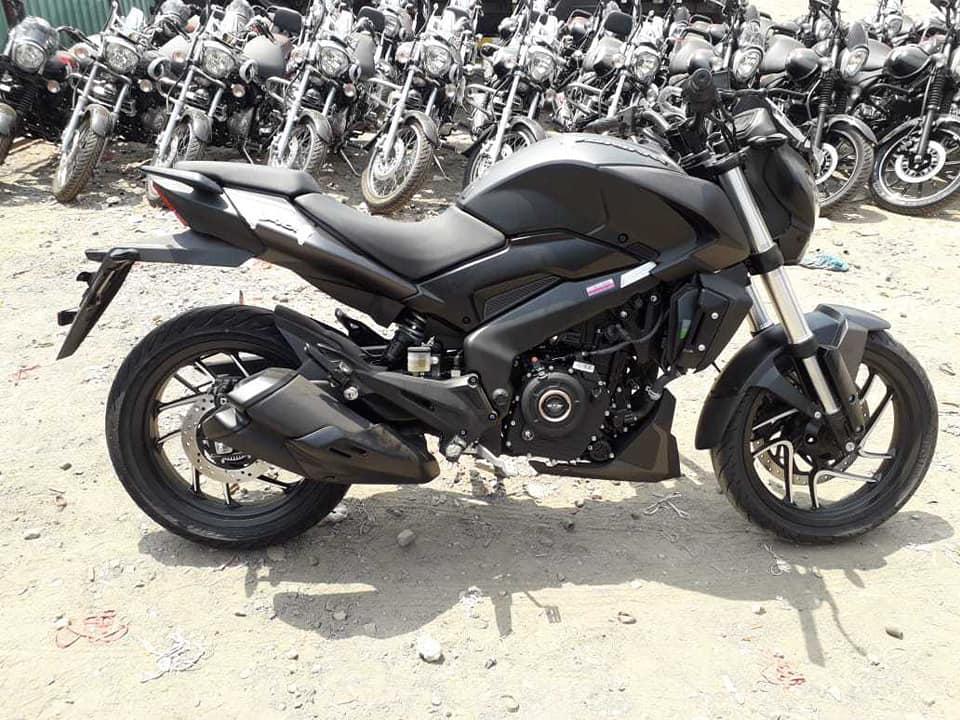 2019 Bajaj Dominar 400 Spotted In Matte Black Colour BikeDekho 960x720