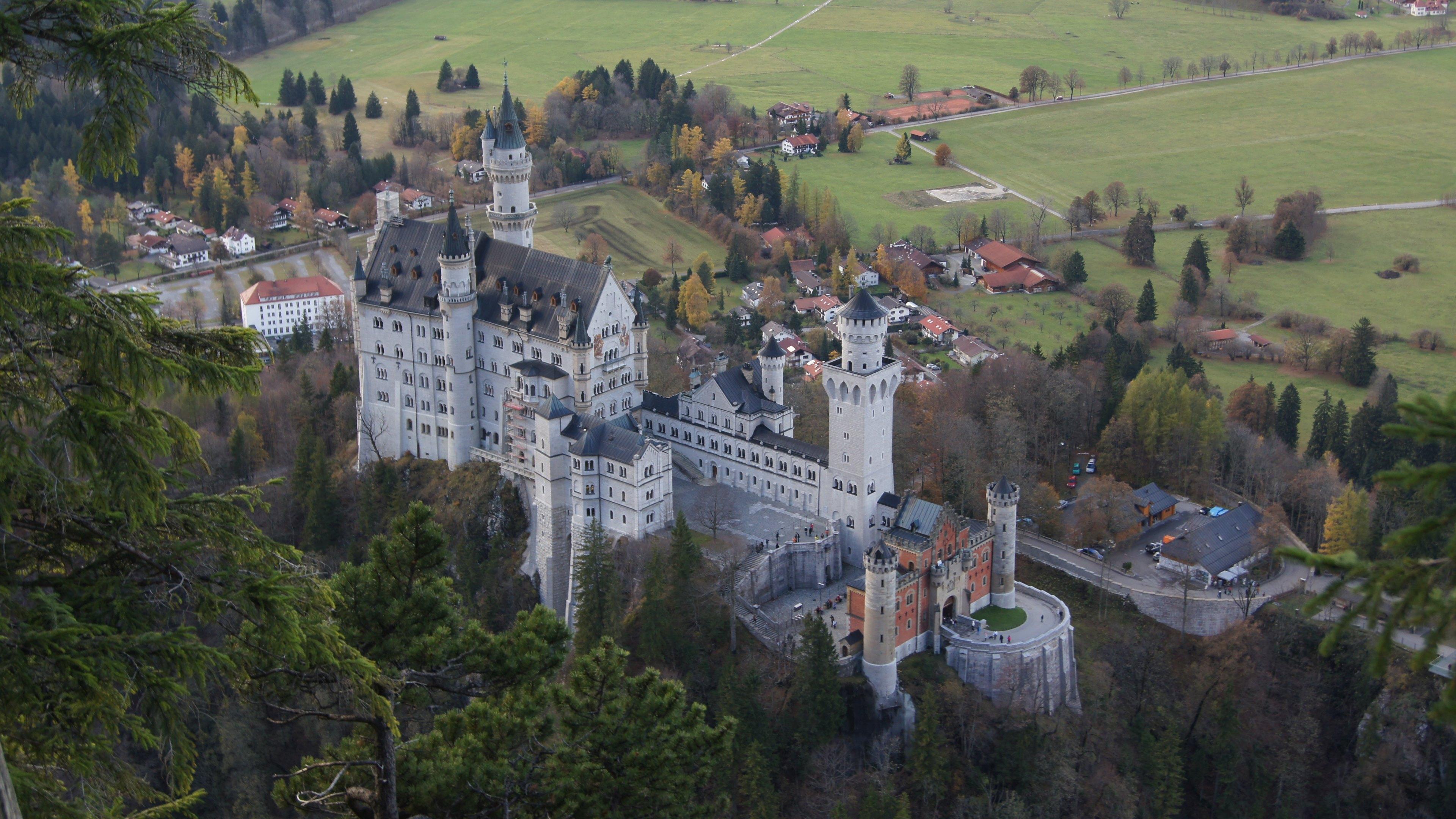 neuschwanstein castle desktop wallpaper wallpapersafari