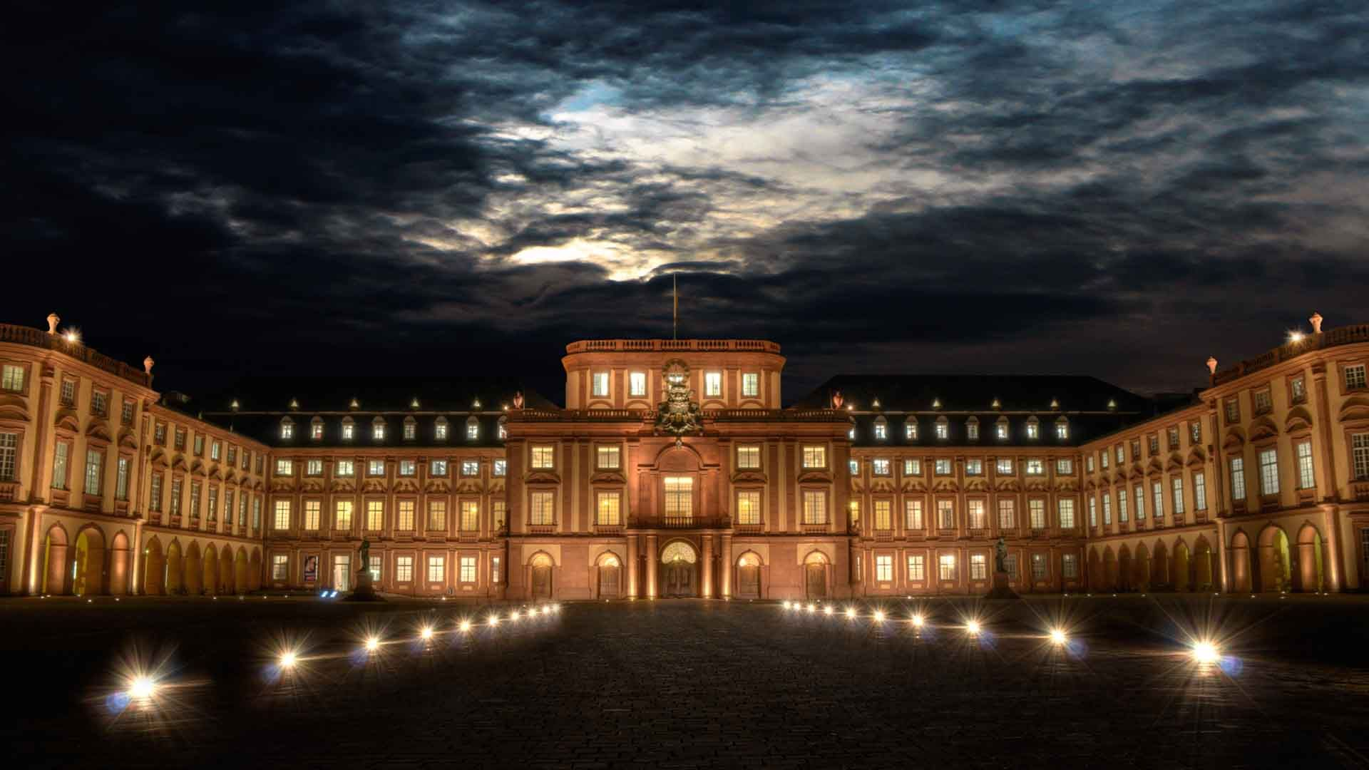 Mannheim University At Night Hd Wallpaper Wallpaper List 1920x1080