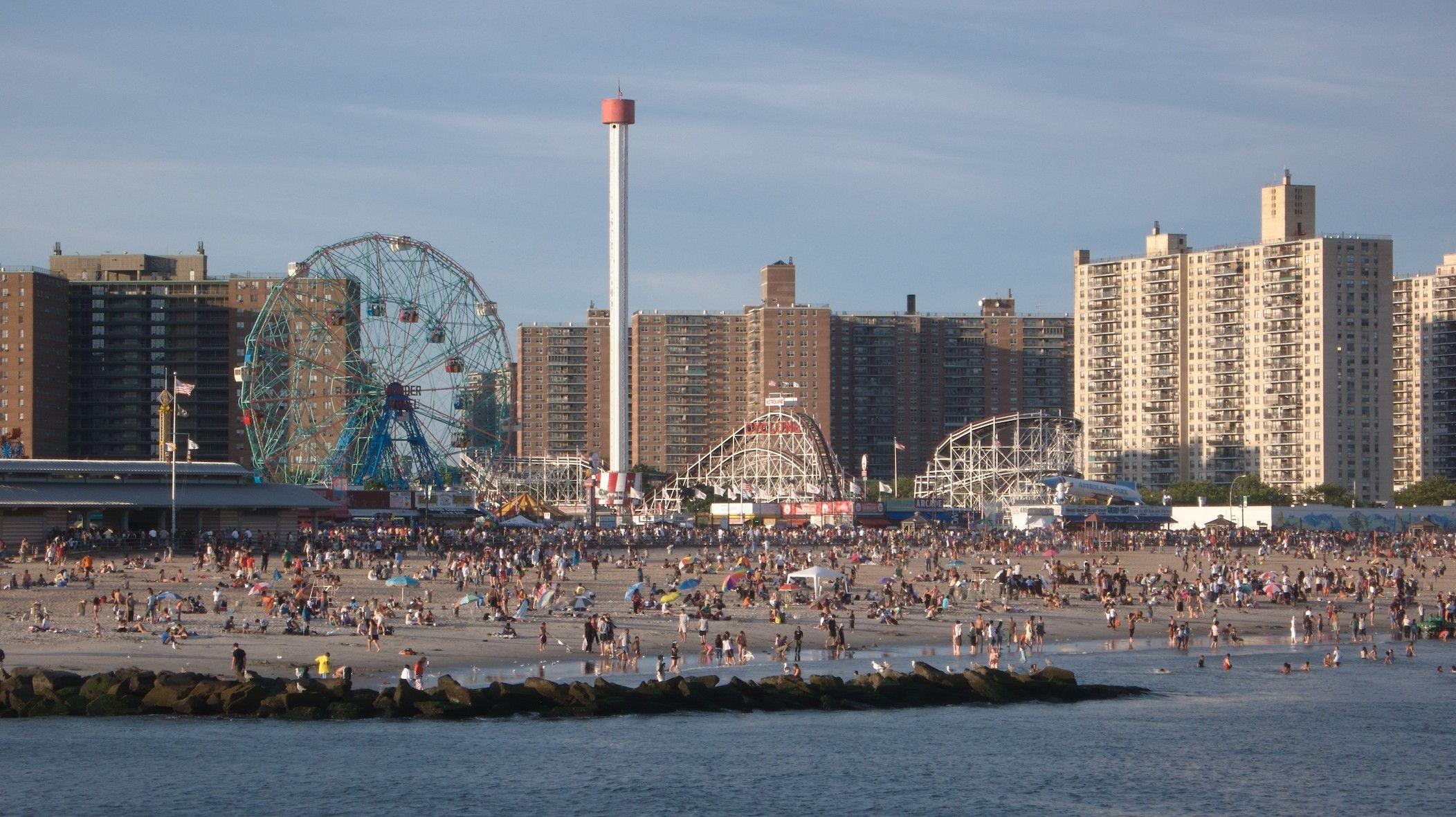 Coney Island Wallpapers 2104x1180
