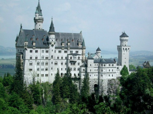 free neuschwanstein castle screensaver screensavers download 500x375