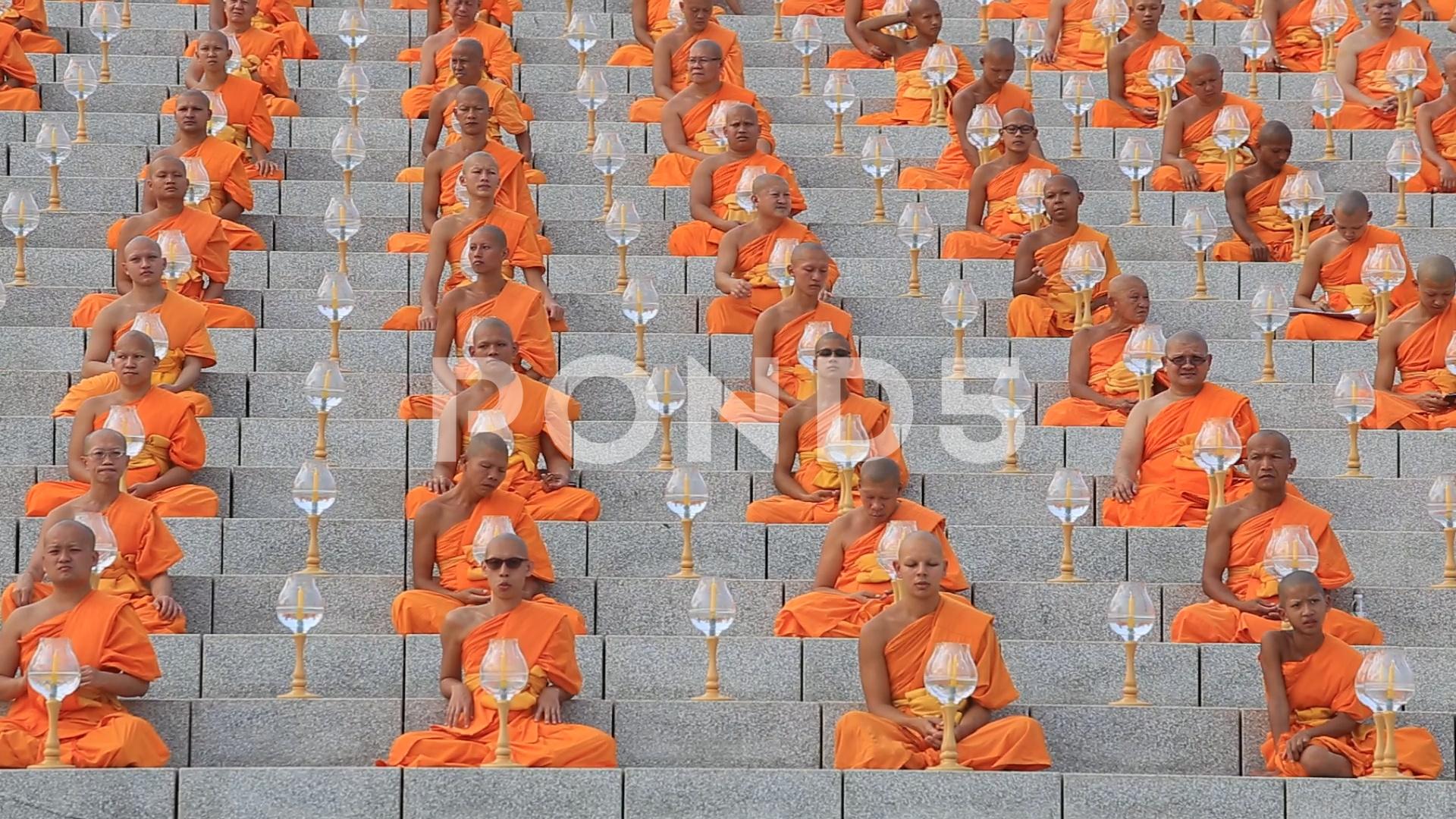 Monks in ceremony Magha Puja Day in Wat Phra Dhammakaya Bangkok 1920x1080