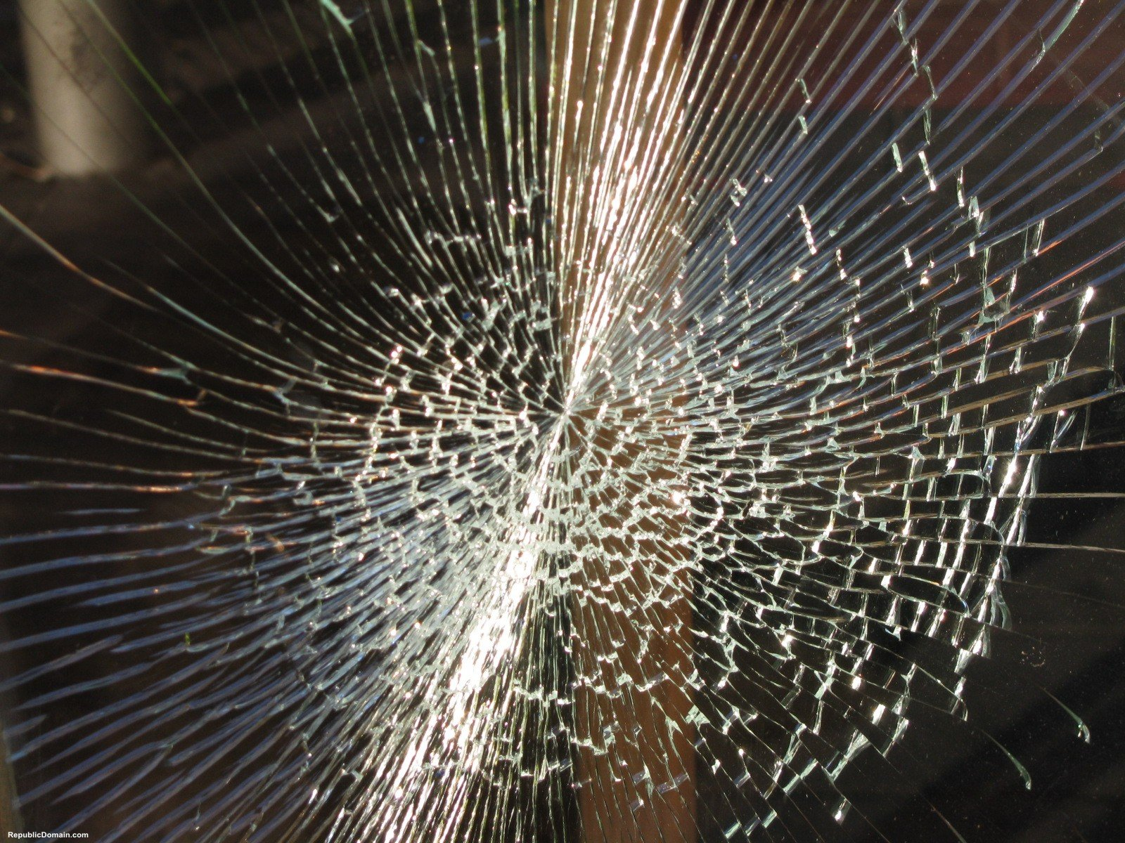 Free Download 45 Realistic Cracked And Broken Screen