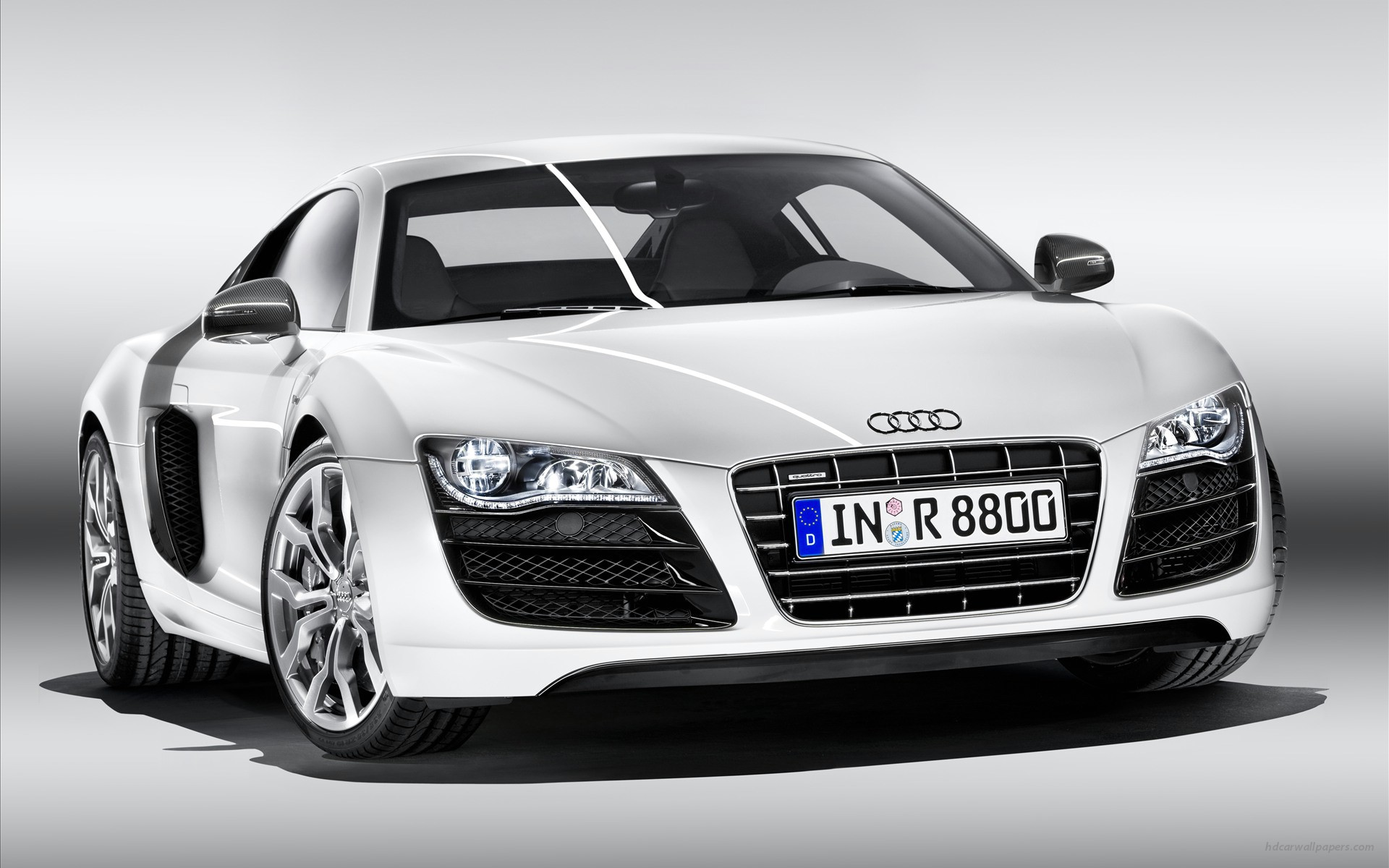 Audi R8 v10 Wallpapers HD Wallpapers 1920x1200