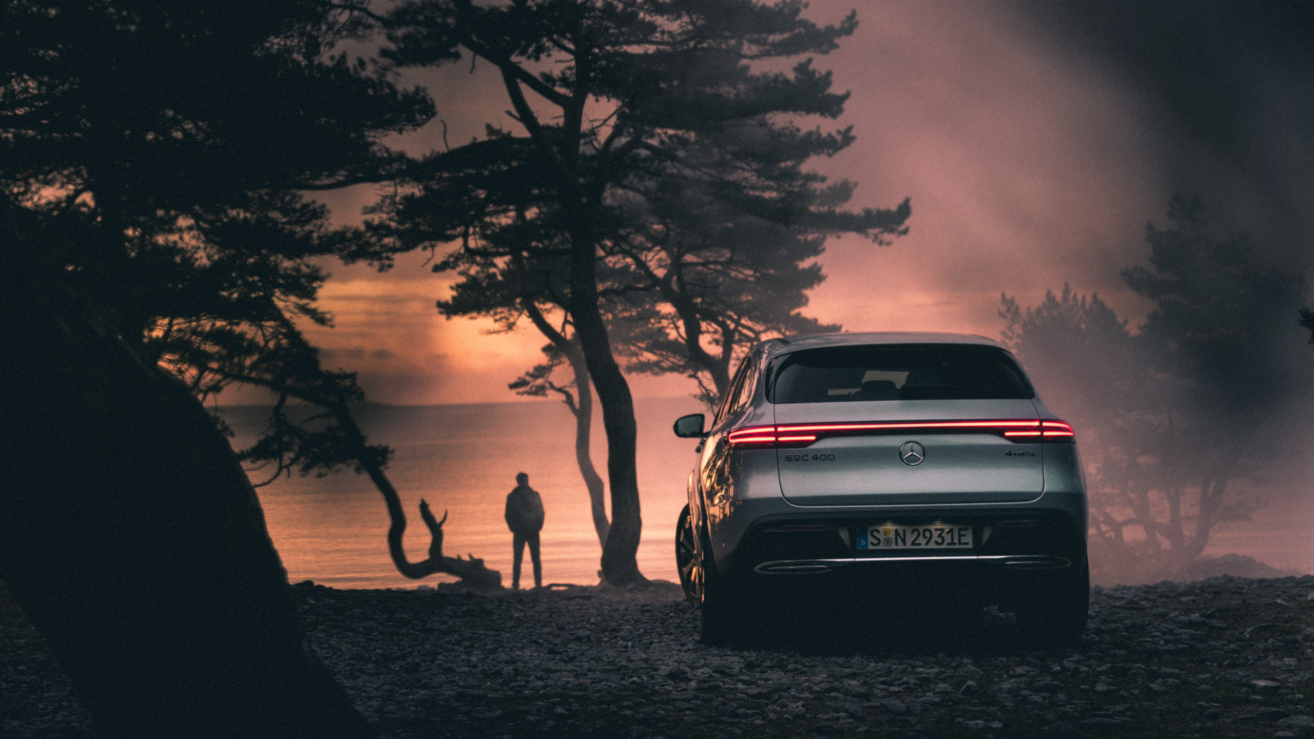 MBsocialcar Mercedes Benz EQC 2019 2560x1440