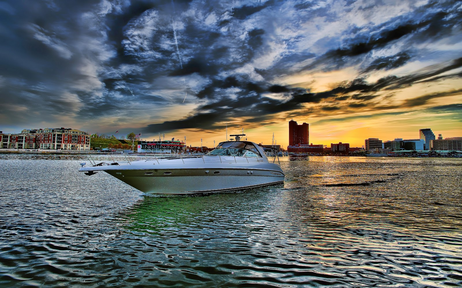 City Boat FullHD Beach Water Nature Background Wallpaper Widescreen 1600x1000