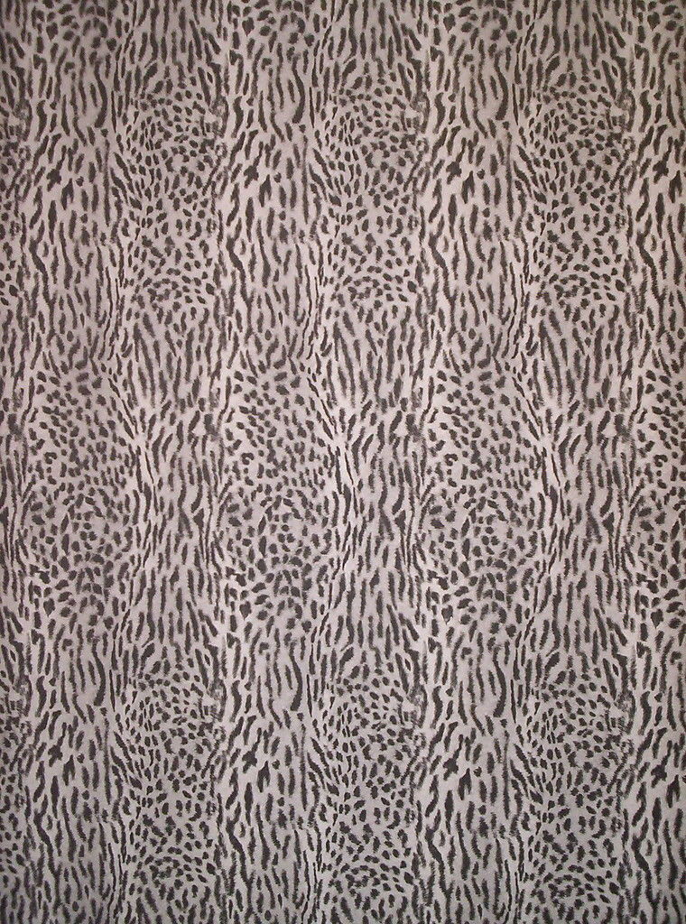 BLACK WHITE AND GRAY FAUX LEOPARD FUR WALLPAPER 370 760x1024