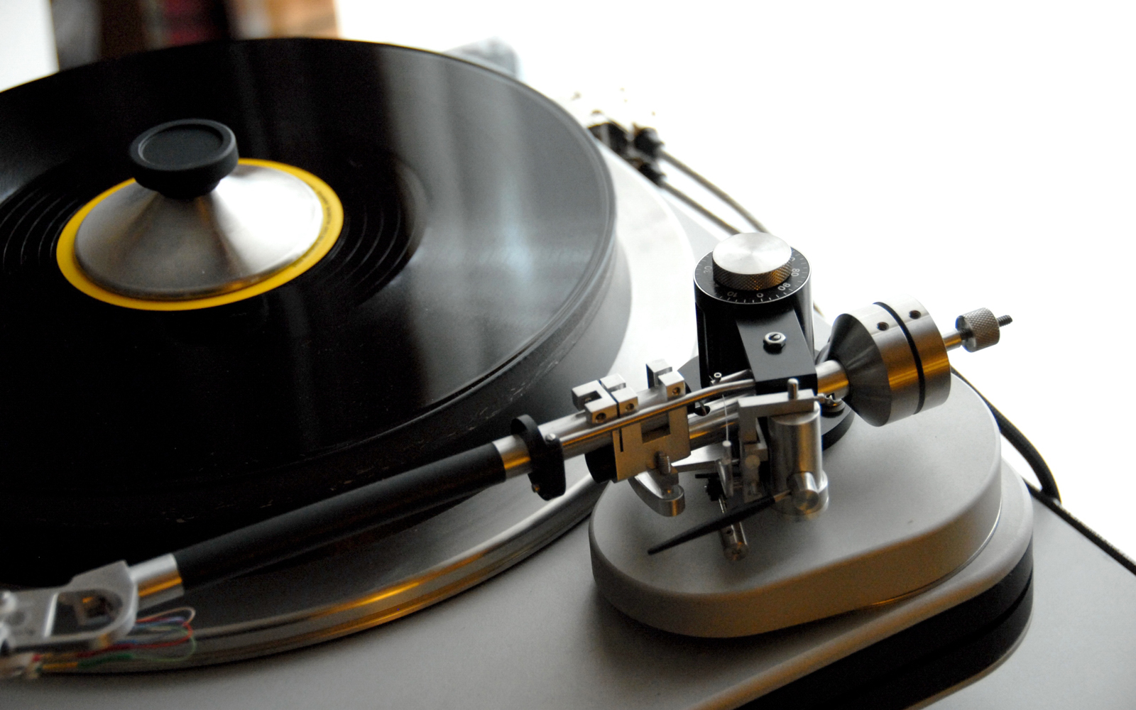 Turntable Record Player HD Wallpapers Desktop Wallpapers 1600x1000