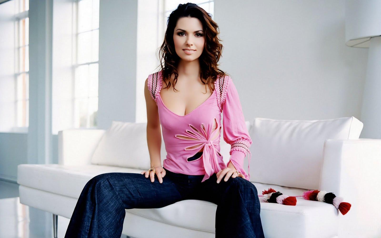 Shania Twain Hot
