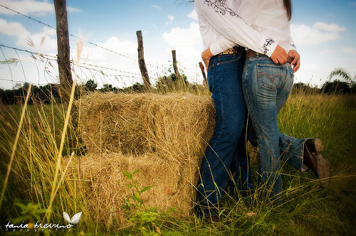 Cute Country Love Backgrounds Images Pictures   Becuo 500x332