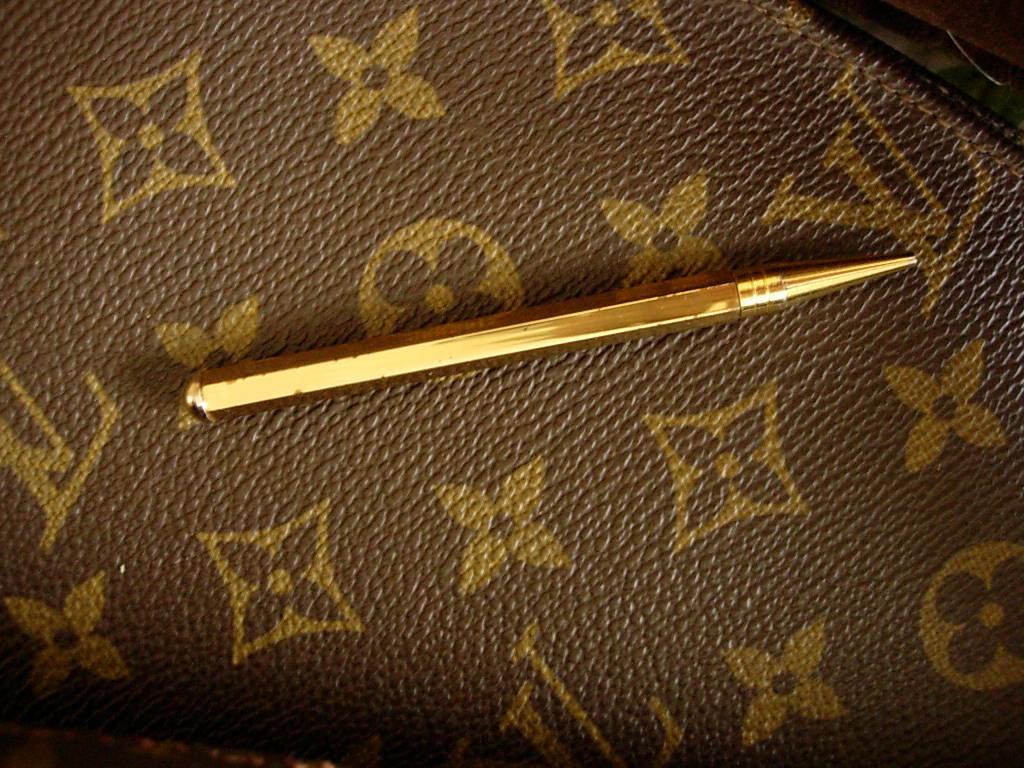 46 Louis Vuitton Damier Wallpaper On Wallpapersafari