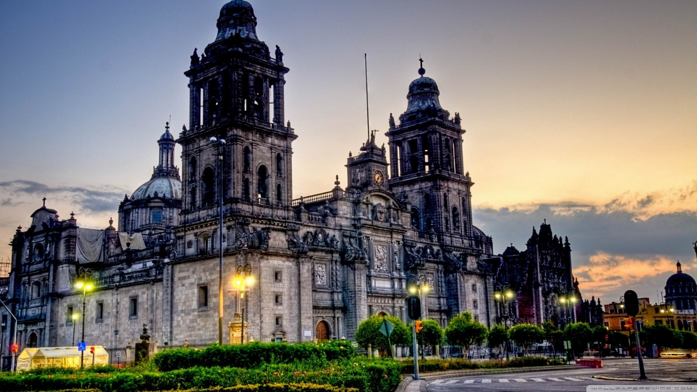Mexico City Cathedral 4K HD Desktop Wallpaper for 4K Ultra HD 1366x768