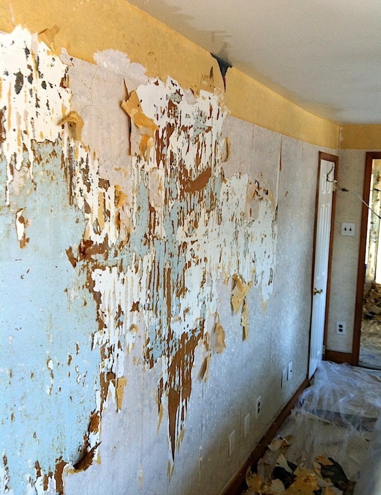 Then you have to score the wallpaper so the removal solution will 750x975