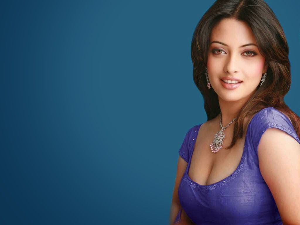 Full HD Wallpapers Bollywood Actress 1024x768