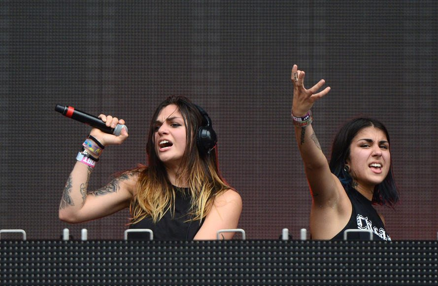 krewella-naked-pictures-makayla-ball-naked