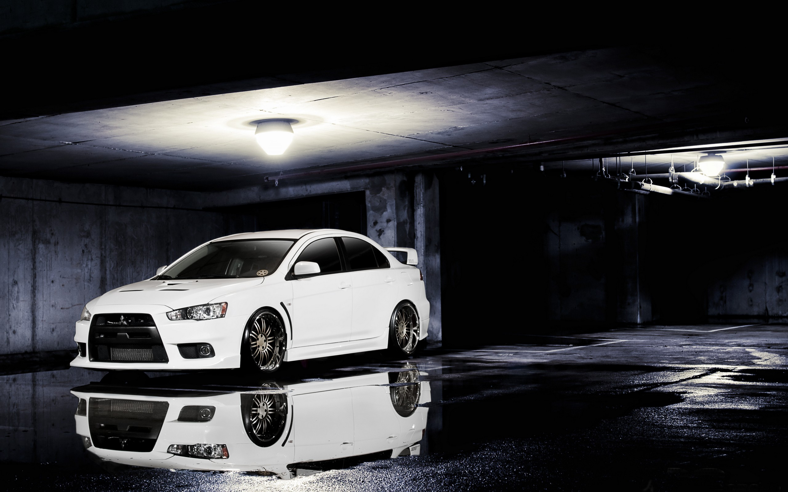 Desktop Mitsubishi Evolution Evo Parking Wallpaper 77 images in 2560x1600
