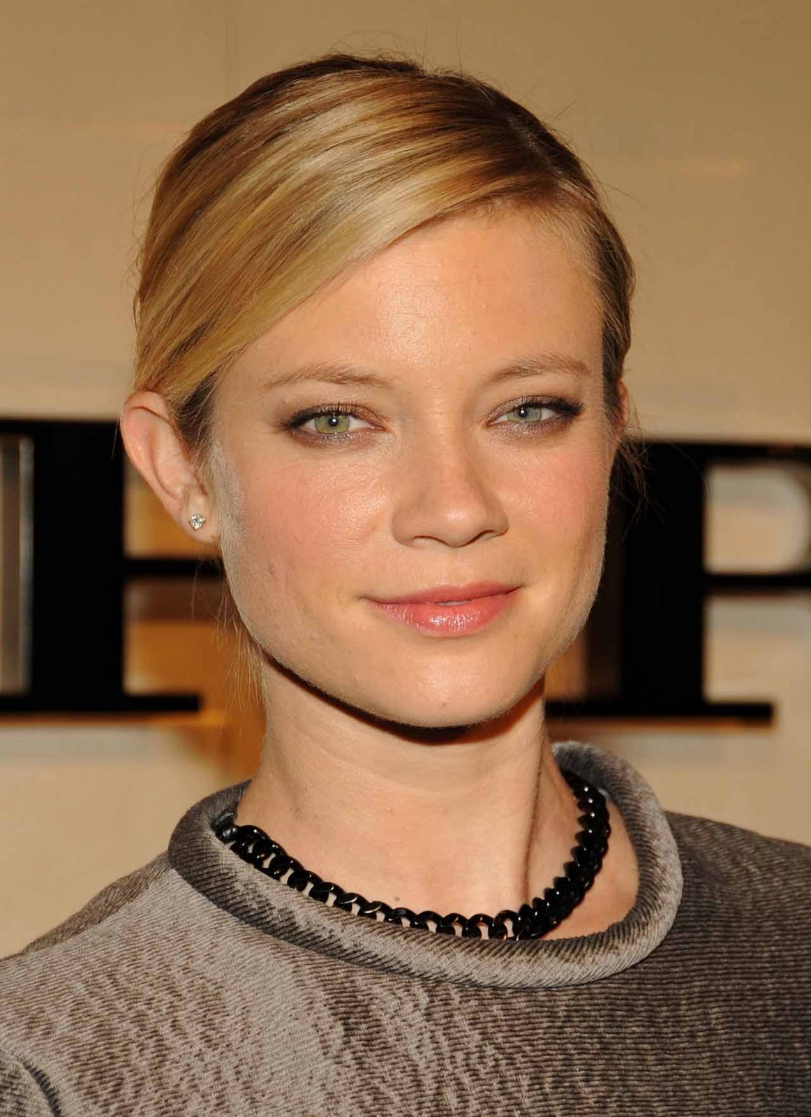 Amy Smart Hot Images free download chichi allen amy smart hot wallpapers 2012 hd