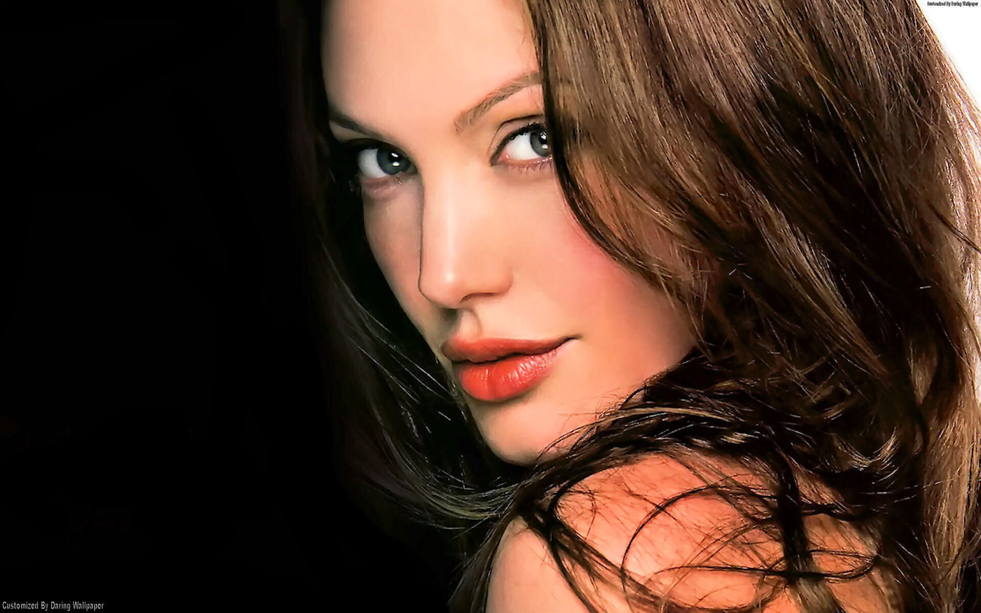 Hollywood Actress Angelina Jolie Hot HD Wallpapers CELEBERG 1920x1200