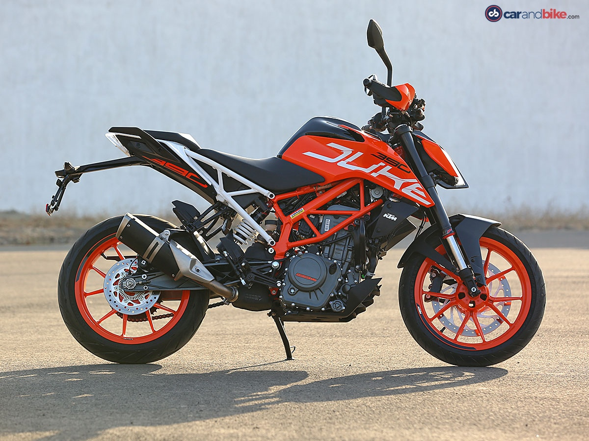 2017 KTM 390 Duke First Ride Review 1200x900