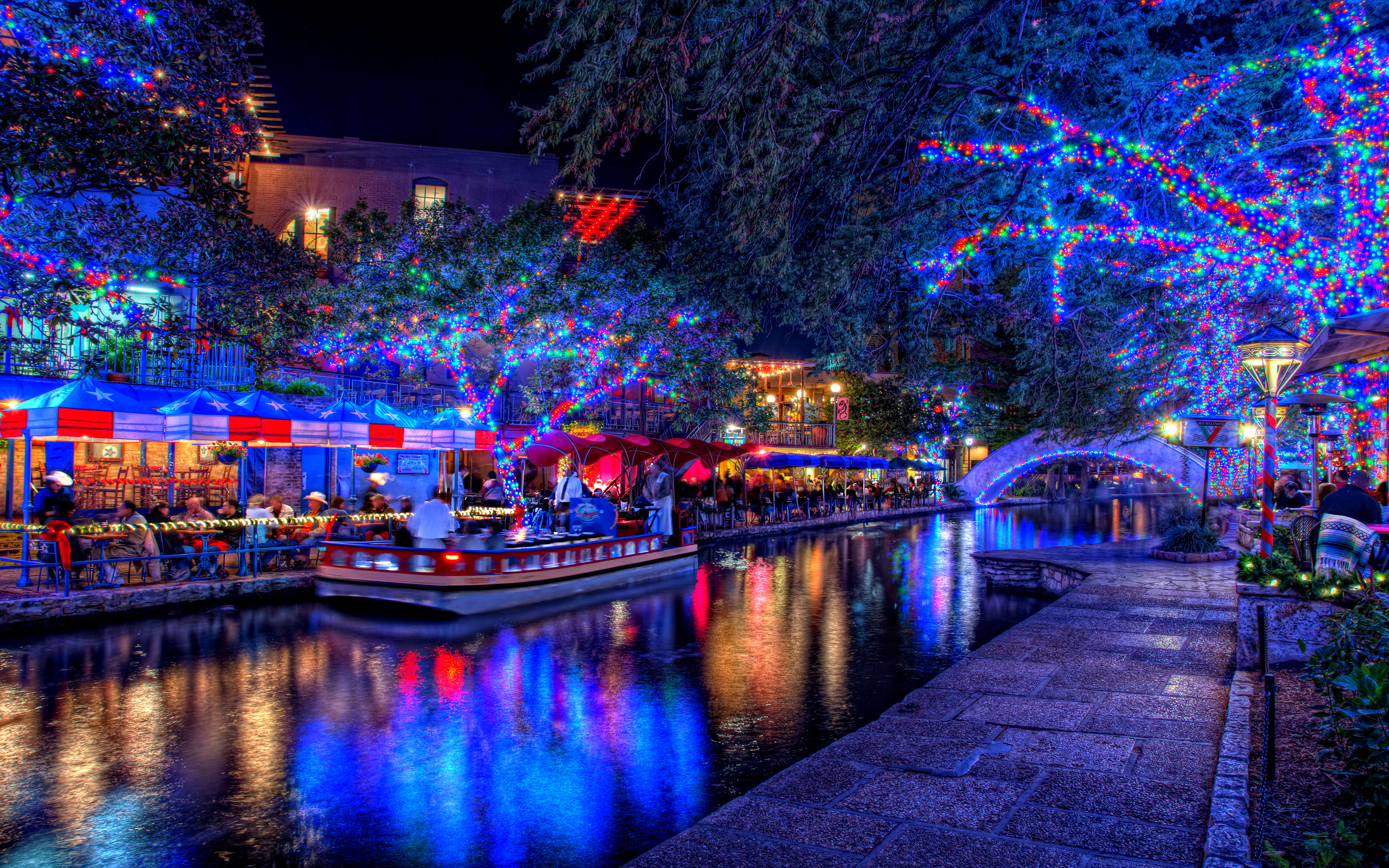 Christmas Lights   Wallpapers Pictures Pics Photos Images 2560x1600