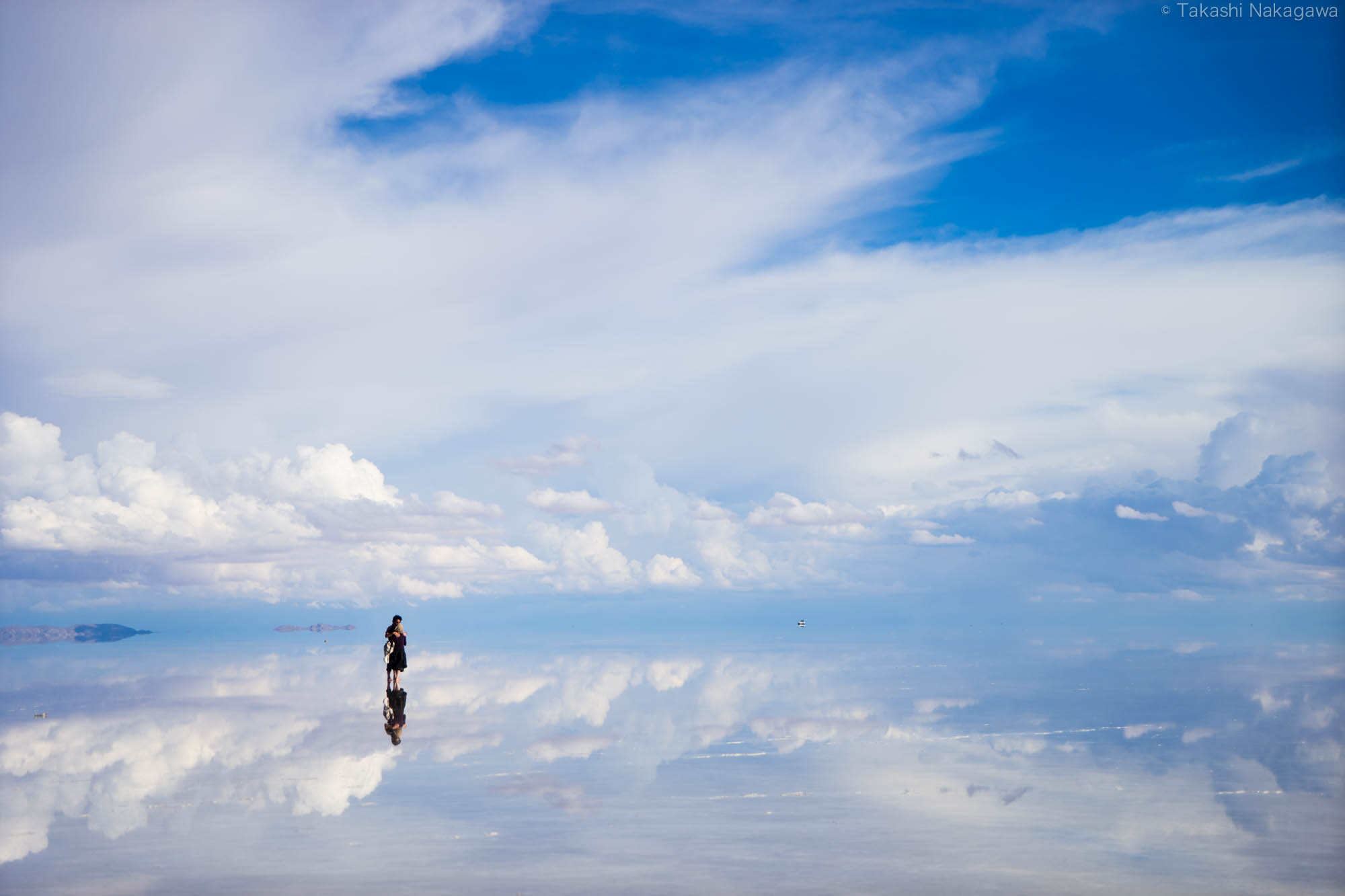 The Salt Flat Salar de Uyuni Wallpapers High Quality Download 2000x1333